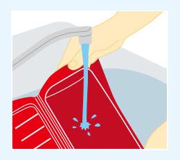 洗剤でよく洗う